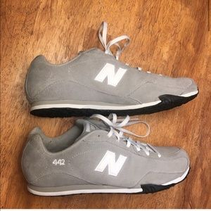 New Balance Women's Sneakers/ Shoes